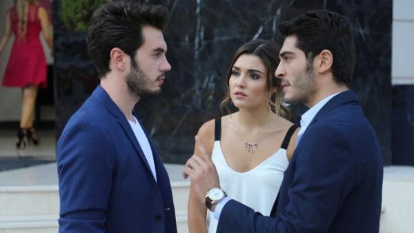 S01E12 of Aşk Laftan Anlamaz