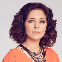 Betül Çobanoğlu as Derya