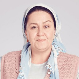 Sultan Köroğlu Kılıç as Emine