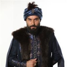 Ali Ersan Duru as Mahmud II