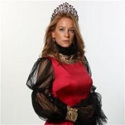 Emel Çölgeçen as Esma Sultan