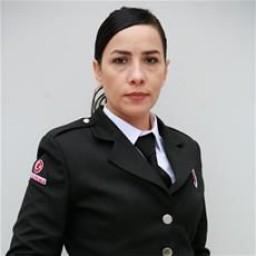 Onuryay Evrentan Atasalihi as Özlem Balaban