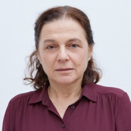 Nihal Koldaş as Safiye