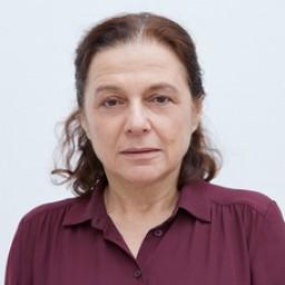 Nihal Koldaş as Safiye
