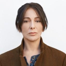 Zerrin Tekindor as Aliye