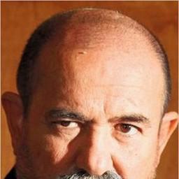 Güray Kip as Kamil Çalıca