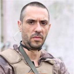 Atıf Emir Benderlioğlu as Turan Kara