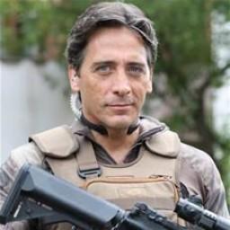 Murat Arkın as Kemal Boratav
