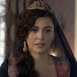 İdil Yener as Lalezar Kalfa