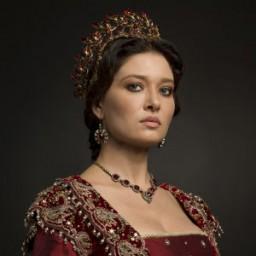 Nurgül Yeşilçay as Valide Kösem Sultan