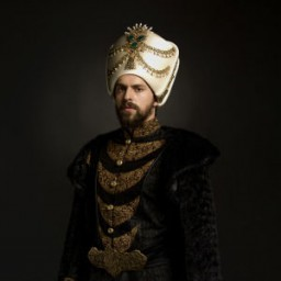 Metin Akdülger as IV. Murad