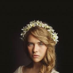 Anastasia Tsilimpiou as Young Kosem