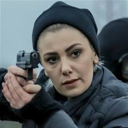 Burcu Binici as Ceren