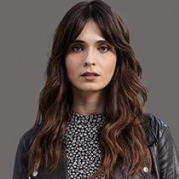 Meriç Aral as Eylem Mercier
