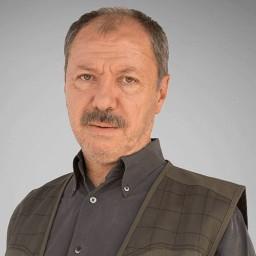 Çetin Sarıkartal as Paşa (Cihangir)