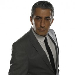 Erkan Petekkaya as Murat Düdenli