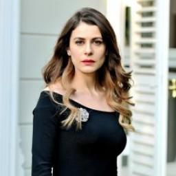 Ebru Özkan as Dilara
