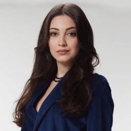 Cemre Gümeli as Hande Fettah