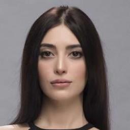 Melike İpek Yalova as Cevher Akışık