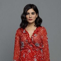 Zeynep Çamcı as Zehra Şimşek/Hande Kurdoğlu