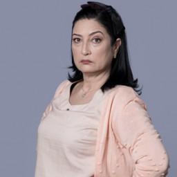 Ulviye Karaca as Nuriye Bozoğlu