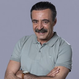Levent Ülgen as Zekeriya Bozoğlu