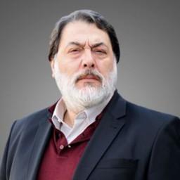 Kerem Atabeyoğlu as Rıza