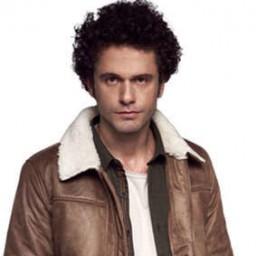 Yiğit Kirazcı as Ahmet Ekşi