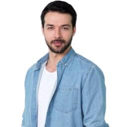 Hilmi Cem Intepe as Mustafa Candemir