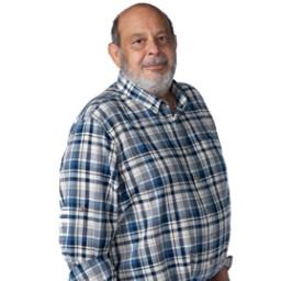 Haldun Boysan as Haşmet Yalçınoğlu