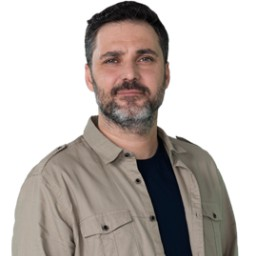 Alpay Kemal Atalan as Nihat Yalçınoğlu